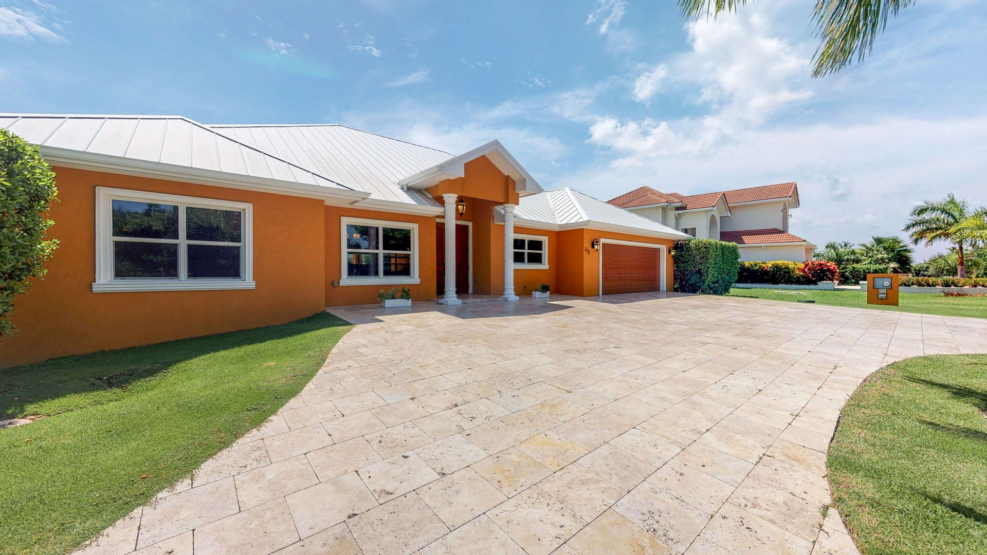 Bimini Drive Family Home Grand Harbour