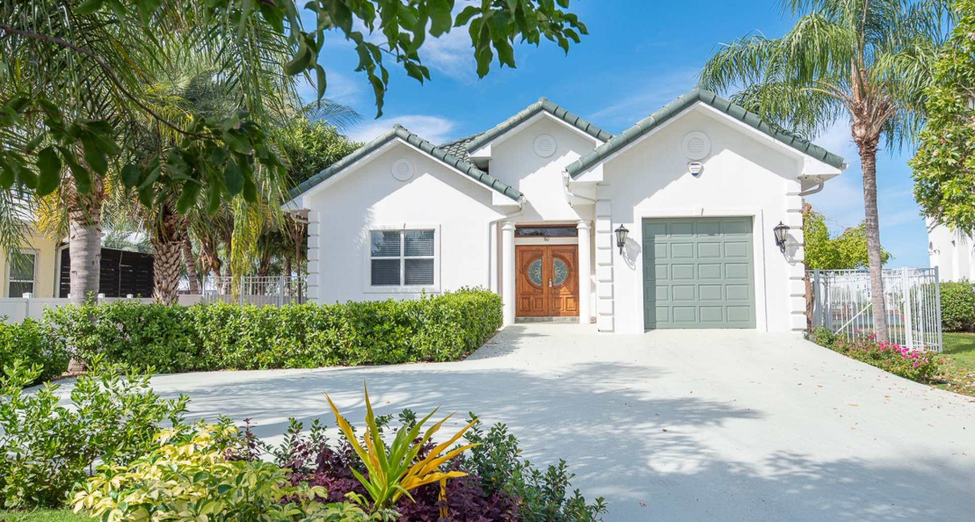 Gated Bimini Drive, Grand Harbour, Single Level 4 Bed Canal Front Home