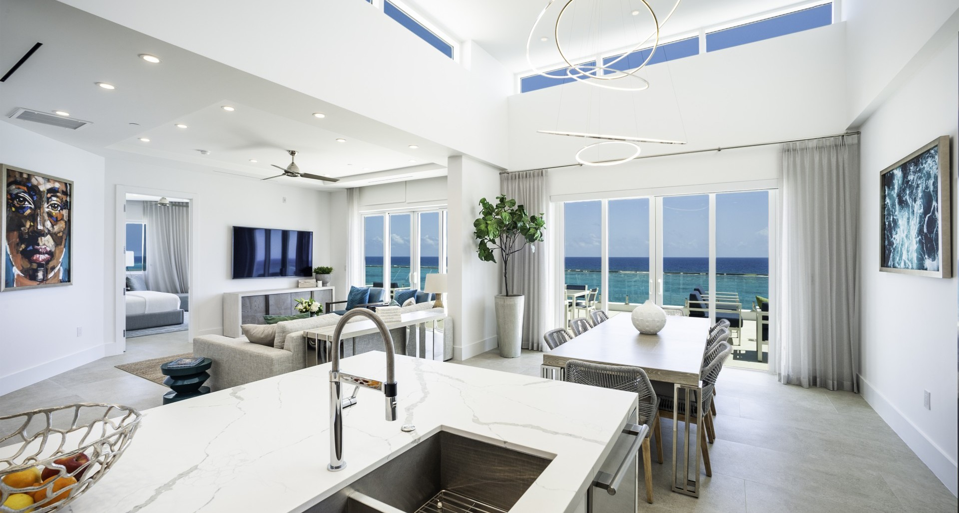 RUM POINT CLUB – ABSOLUTELY INCREDIBLE PENTHOUSE