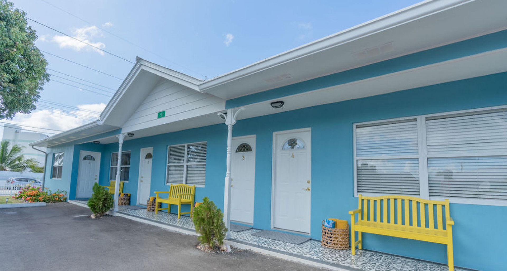 RE/MAX real estate, Cayman Islands, W Bay Bch South, Freehold - Location, location,