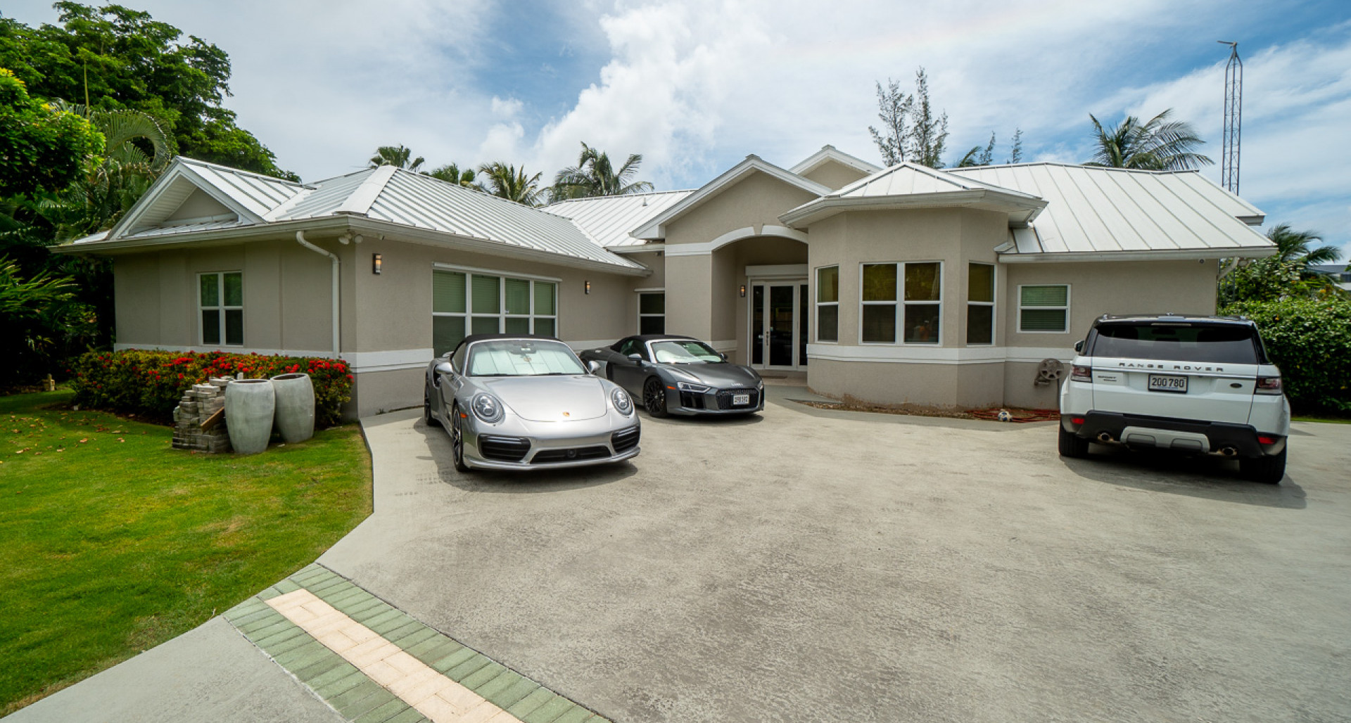 RE/MAX real estate, Cayman Islands, South Sound, Freehold - Welcome to 35 Jacara