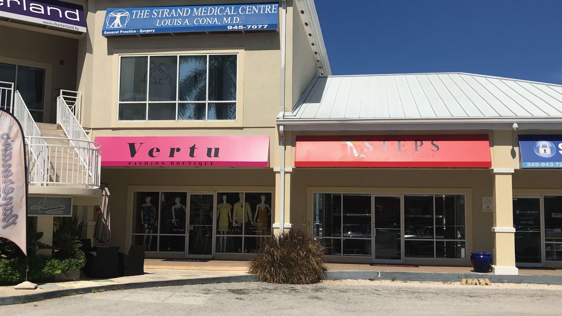 The Strand – Store to lease